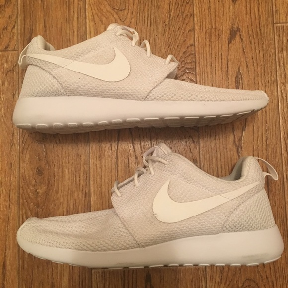 3e86ffe0031d ... Nike Roshe One Men s Running Shoes (used). M 5a6709b32ae12fa978b7a28c